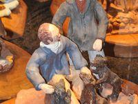 Joel Roussin expose régulièrement et a créé notamment des scènes illustrant le thème du chasseur et du pêcheur.