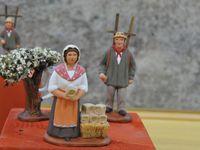 Crèche des Petites Soeurs des Pauvres - créations d'Agnès Ferry - Pêcheur et chasseur d'Henri Cavasse - Crèche et berger de Roger Jouve - Cliquer sur les photos pour les agrandir et les faire défiler.