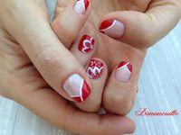 Nail Art &quot&#x3B; French drapée rouge &amp&#x3B; fleurs blanches&quot&#x3B;