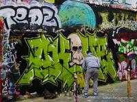 Tags et tagueur rue Denoyez à Belleville (Paris)