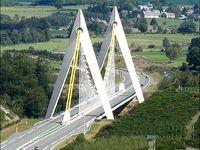 """Des ponts """"suspendus"""""""