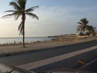 La piscine olympique et la plage de Dakar - Dernier aurevoir à Awa qui nous avait si gentiment accueillies et accompagnées à notre arrivée.
