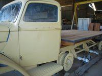 H métallique support de roue de secours - cadre u 35 x 35 et vissage du plancher - plat d'usure sur plancherr