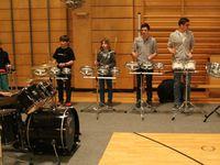 Das Percussion-Ensemble Sing- und Musikschule (Lehrer Achim von Bassen) sorgte für eine lautstarke Eröffnung der Veranstaltung.