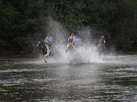 Un des meilleurs moments de la rando, galoper dans la rivière