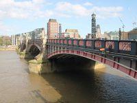 Bus à impériale et bateau : un duo idéal pour visiter Londres ... sans fatiguer !