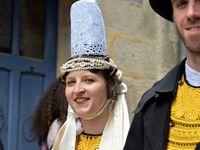 Le premier défilé des candidates au titre de Reine de Cornouaille