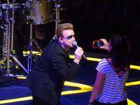 Bono avec Josie sur scène !