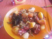 soupe au potiron...soupe au potiron/chataignes...potée auvergnate...petits choux farcis...et compote de pommes tout est fais maison hummm