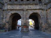 Trêves-Porta-nigra-côté-ville, arches du milieu-côté campagne, Cl.1+2FrancePoulain-NicolasWasylyszyn_3 Berthold-Werner-wikipedia
