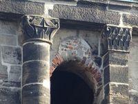 Trier-Trêves-Porta-nigra-détails de façade-arches-colonnes-mur, Cl. FrancePoulain+NicolasWasylyszyn-2016