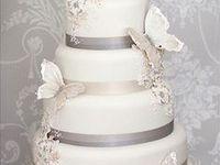 N'oubliez pas d'ajouter au nappage des rubans, des décors ou des fruits afin d'embélir votre gâteau