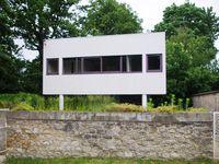 """La Villa Savoye """"Les heures claires"""" -  Le Corbusier -  La loge du jardinier"""