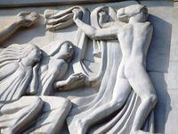 Détails de la façade du théâtre des Champs-Elysées