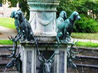 """Le jardin de Diane et sa fontaine """"Diane à la biche"""""""