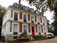 Dammarie-lès-Lys : le rond point Georges Pompidou, l'église et le château Soubiran