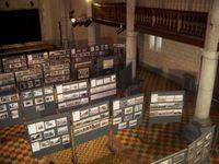 L'exposition dans l'église.
