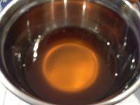 Préparation du glacage pour les marrons glacés