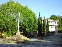 Sur le chemin, l'albergue de Mos, dans les rues de Redondela et le pont sur la ria de Redondela