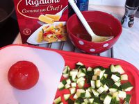 Risotto de pâtes, courgettes et tomates