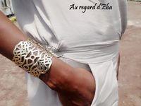 Accessoires indispensables : chaussures - bracelet - broche