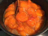 Confiture d'abricots et ses amandons