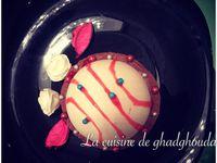 ��Gâteau mousse chocolat et fraise au coeur de génoise
