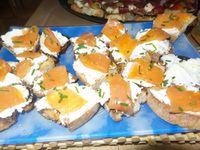 Fromage frais saumon fumé d'Ecosse - Duo de tomates/féta/roquette et serrano -poivrons grillé tomates et anchois