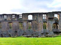 Dunfermline Abbey and Palace : des ruines quoi... Pas transcendant mais en fond l'église de Dunfermline est jolie.