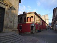 Quelques belles façades croisées en chemin entre le terminal et l'hostel