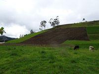 Le hameau de La Moya avec les gens qui font de l'agriculture à l'ancienne