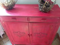 buffet parisien shabby patiné roge pochoir satinelle