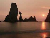Aiguilles de Port Coton au coucher du soleil (Belle Ile en Mer)