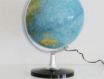 Globe terrestre lumineux pied marron Années 70 - Vintage