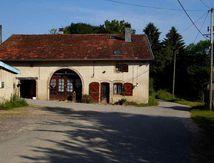 Une ferme au Chaudiron : avec sa femme Bernard Houillon met en valeur la ferme familaiale