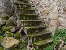 Escalier à Montpeyroux (63) ...