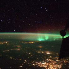 L'aurora boreale catturata nel click spaziale di Luca Parmitano