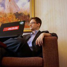 """Edward Snowden : """"j'ai déjà gagné, je travaille toujours pour la NSA"""""""