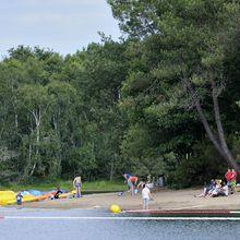 Livres et sport à la baignade au Lac de Malagué
