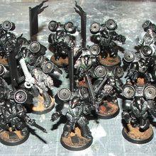 Deux escouades d'assaut Dark Angels en armures MK6