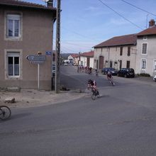 Cyclists on the roads of Lorraine again