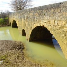Pont d'Artigues , Beaumont / Larressingle ( Gers 32 ) AA