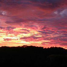 coucou juste un flash ce matin pour partager avec vous ce lever de soleil aux
