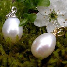 Quand une perle a pris la forme d'un oeuf...