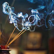 Qualité de l'air intérieur : Les bougies parfumées et l'encens participent à la pollution