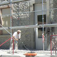 Saint André les Alpes : L'école primaire se fait ravaler la façade !