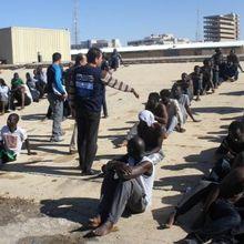 Libye : des migrants réduits en exclavage