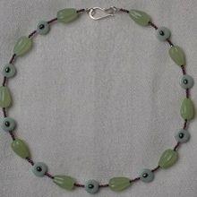 Création de bijoux : un collier en amazonite et sepentine