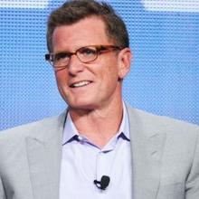 """Le président de FOX Entertainment Kevin Reilly quitte la chaîne fin juin : retour sur 10 décisions discutables effectuées pendant sa présence (""""Glee"""", """"Terra Nova"""", """"Lone Star"""", """"The X-Factor"""", la saison des pilotes...)"""