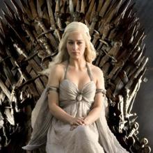 """""""Game of Thrones"""" achève sa saison 4 sans record mais affiche un bilan record : plus populaire que """"The Sopranos"""" et série n°3 de la saison sur les 18-49 ans"""